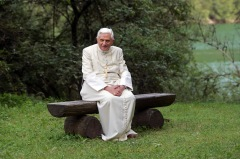 POPE POSES IN LANDSCAPE OF NORTHERN ITALY