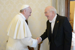 Ambassador Hackett presents his credentials to the Holy Father